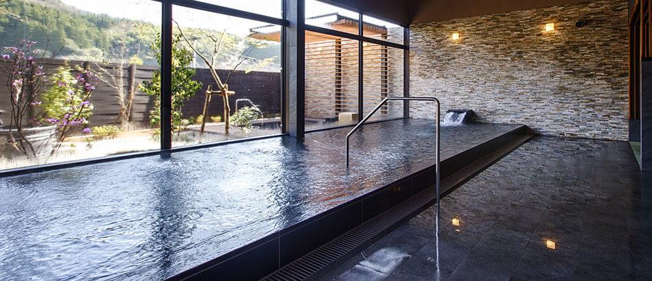 源泉かけ流しの平山温泉